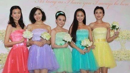是不是塑料姐妹情 从她给你选的伴娘服就看出来了