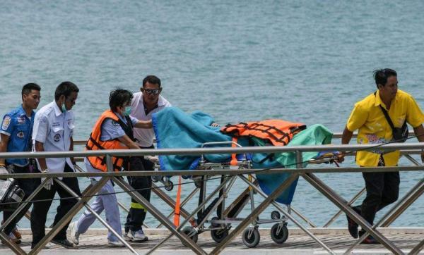 泰国沉船事故死亡人数升至42人 幸存者:船呈90度下沉