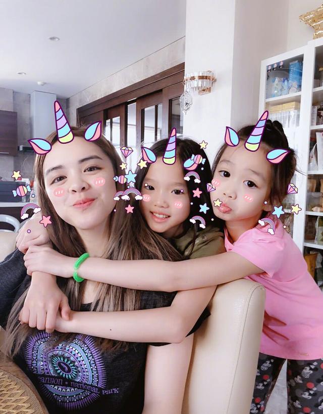 钟丽缇20岁大女儿与男朋友秀恩爱,却被网友吐槽比张伦硕还老!