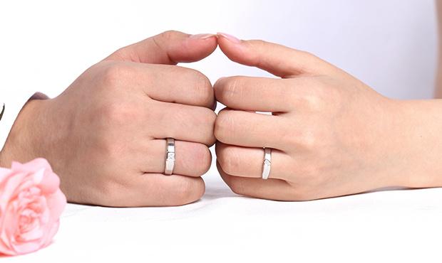 结婚戒指一定要对戒吗 结婚戒指要不要买一对