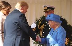 英女王会晤特朗普尴尬一幕!此前特朗普宝宝上天曾让特朗普不满