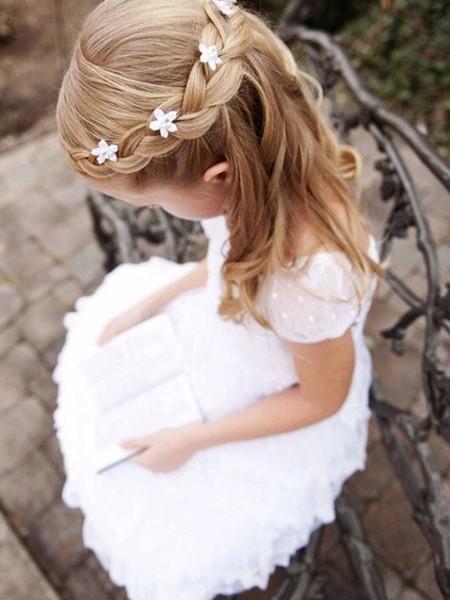 小萝莉的10款编发 花童小天使发型推荐