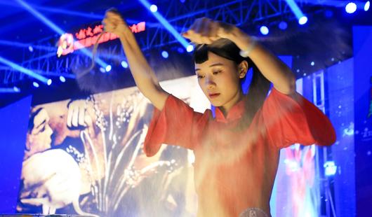 第三届中国沙画艺术大赛在漳州举行