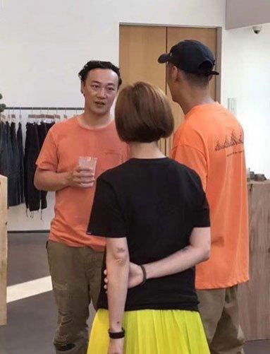 网友日本偶遇余文乐与陈奕迅一家 余文乐和陈奕迅私下关系如何