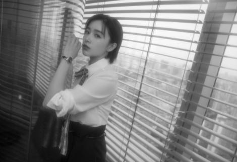 网传纪凌尘出轨女模特儿被阚清子抓到!她在《客栈》里直觉太准了
