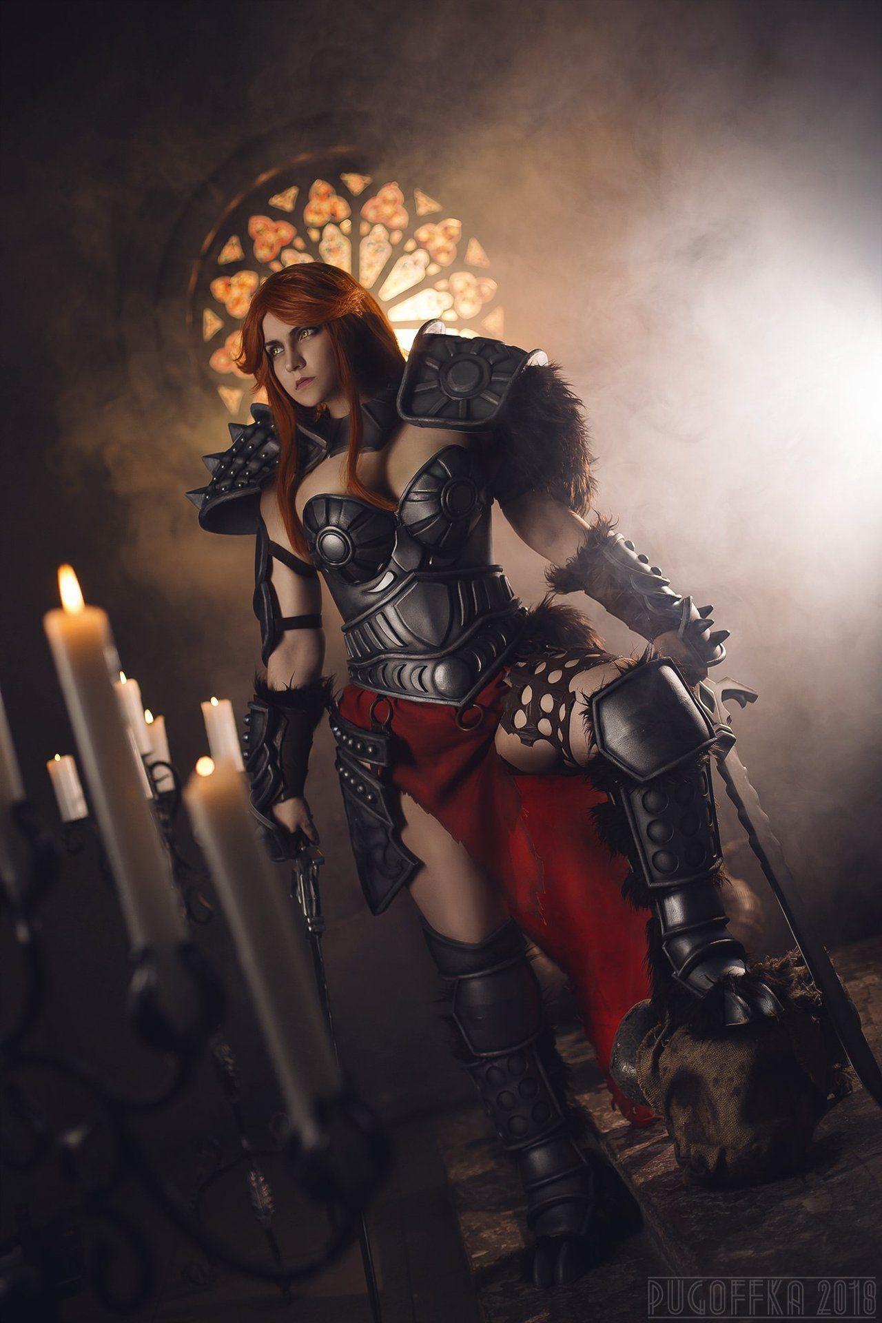 俄罗斯美女Cos暗黑破坏神野蛮人 高颜值妖娆身材
