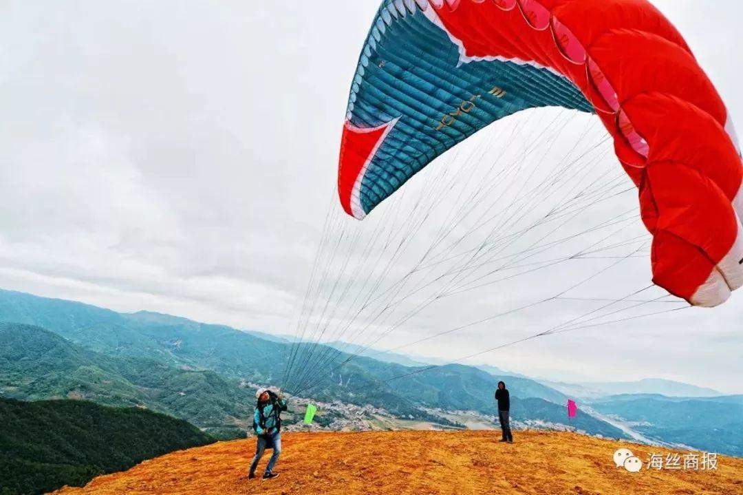 新闻中心 福建频道 闽南新闻 泉州新闻  南安市九都国际滑翔伞体育
