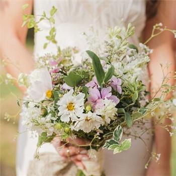 新娘婚纱礼服选择技巧 如何选到满意的婚纱礼服