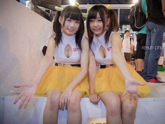 ChinaJoy开幕现场Showgirl大放送 爆乳雅典娜李玲今年有来吗?