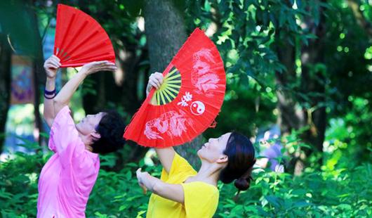 福建福州:全民健身日 大家动起来