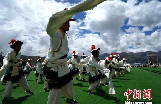 西藏当雄赛马节是什么节日?西藏赛马节开幕牧民狂欢有哪些活动