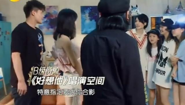 王菲带李娱乐头条今娱乐新闻日嫣找娄艺潇合影