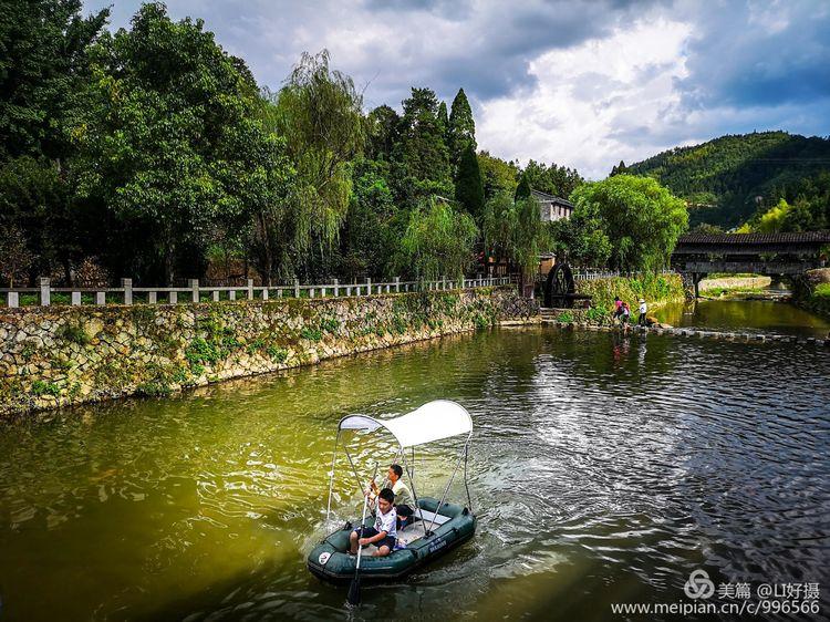 有省级传统村落小梨洋村,有屏南少数民族畲村巴地村;这里山清水秀,溪