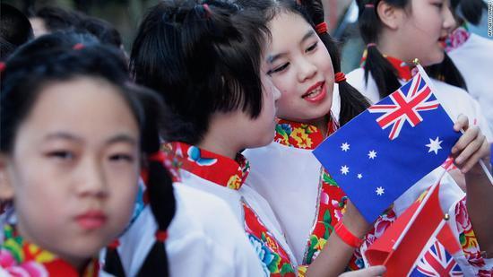 澳大利亚收紧移民政策 澳门银河手机版官网人获批率暴跌至3%