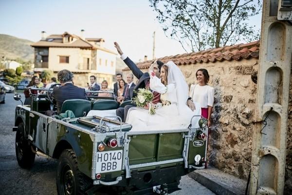 别具一格的婚礼交通工具 创意婚车之选