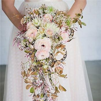 结婚当天新娘婚纱礼服款式 穿什么婚纱好看