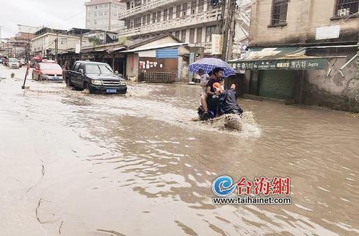 漳州下庄鹭洲路约100米路段只要下雨就积水