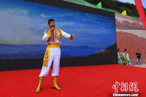 """兰州七里河""""花儿""""唱美景传统艺术搭台荐文化旅游"""