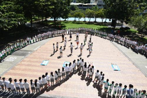台湾小学挑战跳绳超100万下 曾挑战跑操场10万圈