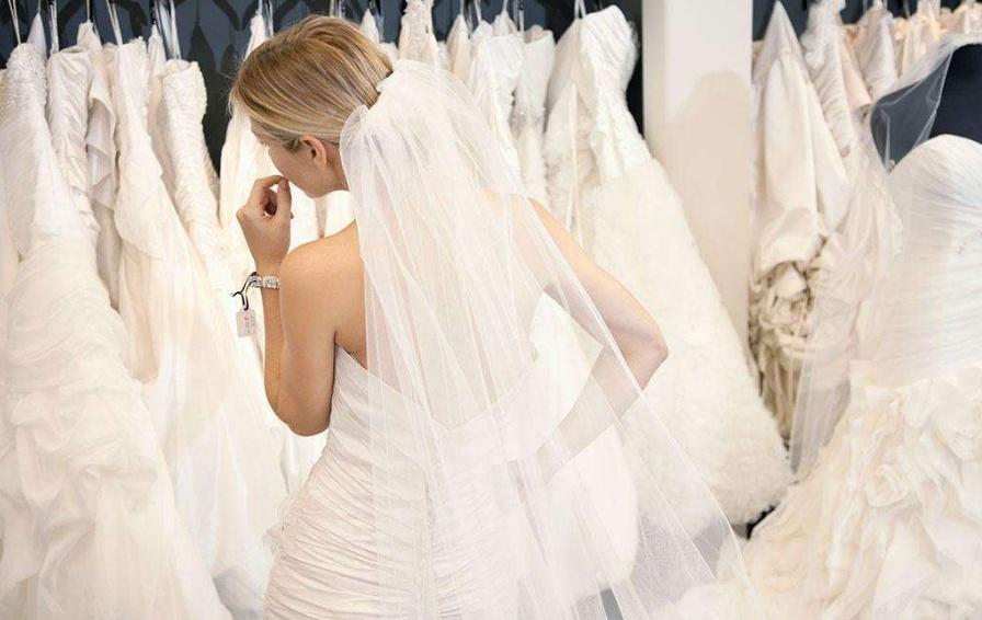 ca88亚洲城手机版下载_租赁婚纱性价比高 这些挑选婚纱的技巧你知道吗?