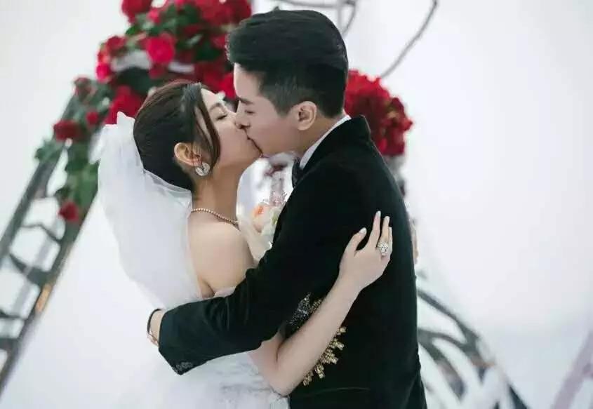 ca88亚洲城手机版【官方ca88亚洲城手机版下载】_婚礼仪式办给别人看 婚礼誓词才说给我们自己听