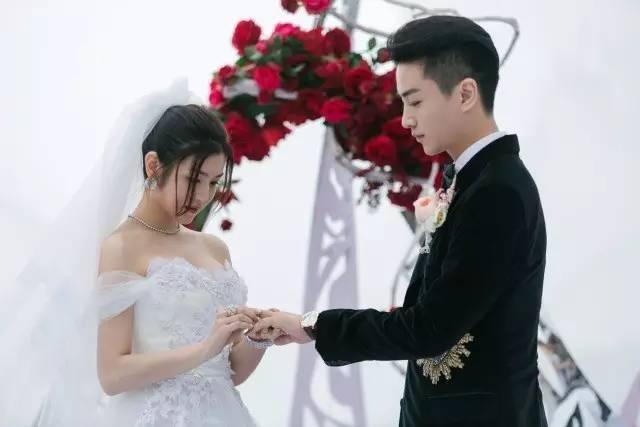 ca88亚洲城手机版下载_婚礼仪式办给别人看 婚礼誓词才说给我们自己听