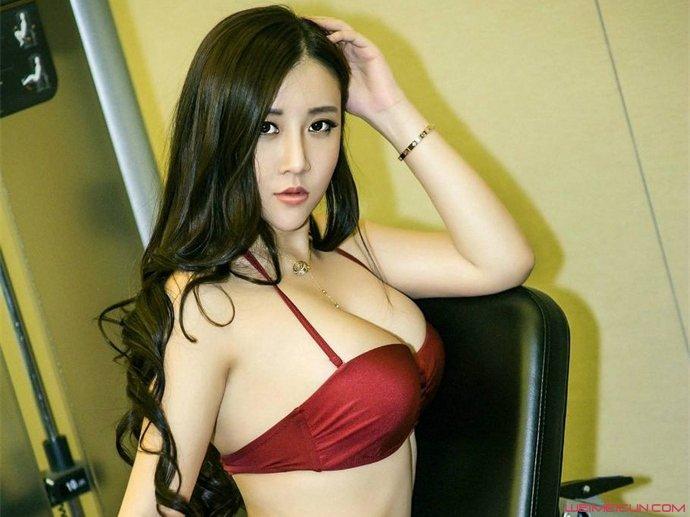 网红模特王婉悠资料曝光 王婉悠为什么敢发大尺度图片?