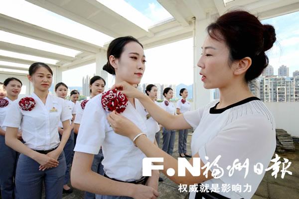广深港高铁票开售 10月1日福州至香港票已售罄