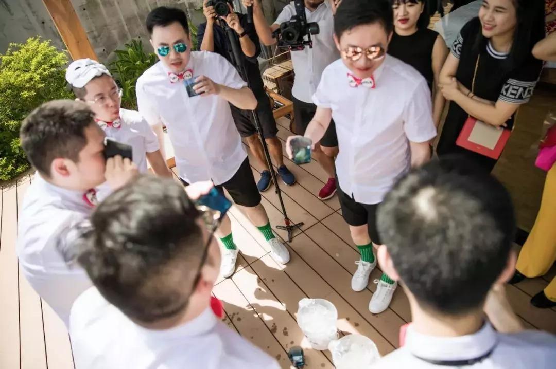 ca88亚洲城手机版下载_从接亲high到晚宴!抖音控的游戏婚礼了解一下?