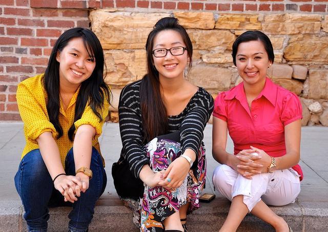 华裔美国女孩:我不会说中文 但不是我的错