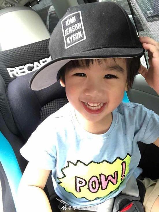 ca88亚洲城手机版下载_小版黑米哥哥!Jenson带林志颖帽子表情灵动可爱