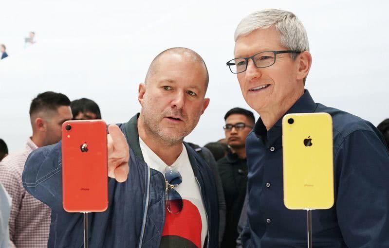 iPhoneXs售价突破天际 库克:我们够创新所以贵