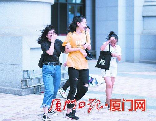"""肥大的""""山竹""""今将登入广东 厦门今日风力仍强雨水接力登场"""