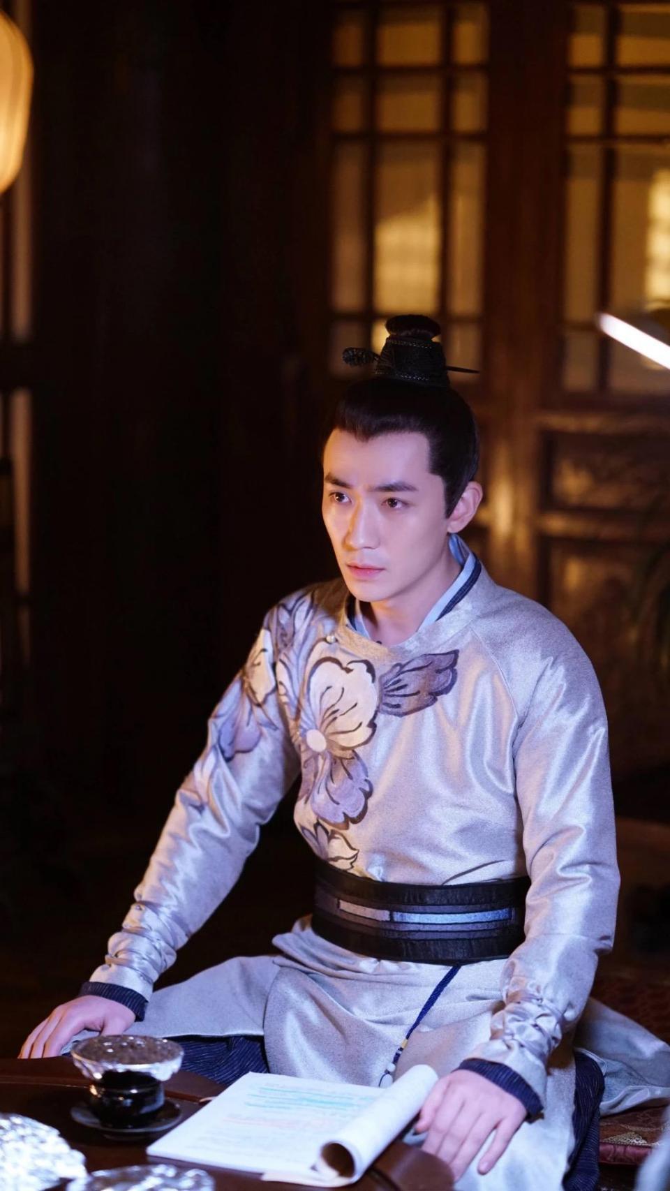 朱一龙有哪些新剧即将播出?剧中的他风度翩翩迷倒众生(2)