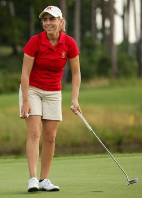 22岁美女冠军球员阿罗扎门娜被谋杀 尸体在高尔夫球场被发现
