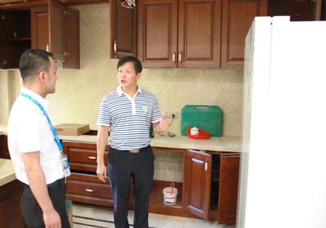 福州首台国米定制版冰箱送货上门 苏宁倍科老总齐出动833