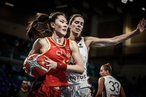 女篮险胜拉脱维亚却暴露最大问题!中国女篮能进入8强吗?