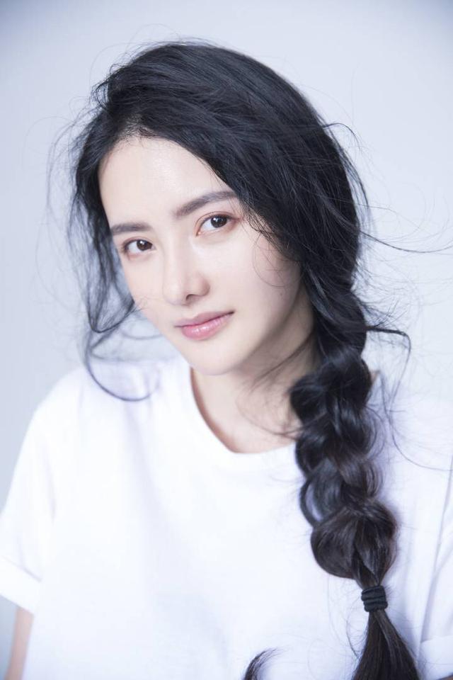 陈昱霖爆料与吴秀波地下情 张芷溪控诉吴秀波骚扰自己