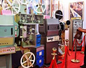 多型號老式電影放映設備亮相福州