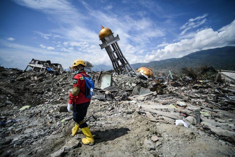 印尼地震海啸最新消息 近2000具尸体从帕鲁找到