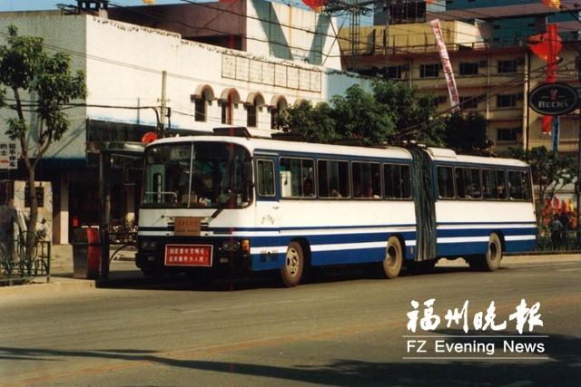"""福州公交:做好""""加减法"""" 公交越来越便民"""