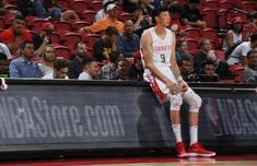 火箭上海對抗賽周琦嚴重受傷是真的嗎?NBA季前賽最新直播地址