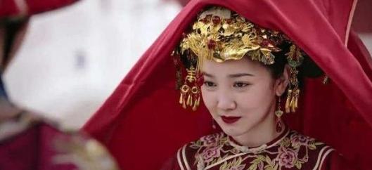 如懿传:江与彬被乾隆革职 李玉替惢心求情却被赶到圆明园