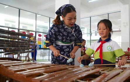 歡樂竹樂進校園 激發學生了解傳統文化熱情