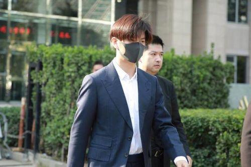 演员王嘉现身法院为自己讨公道?娱乐圈被压榨的不止他一人