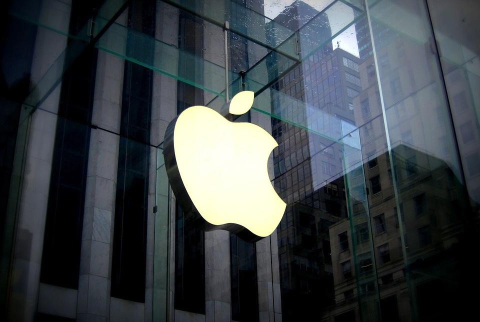 苹果手机用户遭盗刷 苹果回应:建议开启双重认证