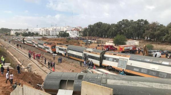 摩洛哥火车脱轨事故图片曝光 摩洛哥火车脱轨原因是什么?
