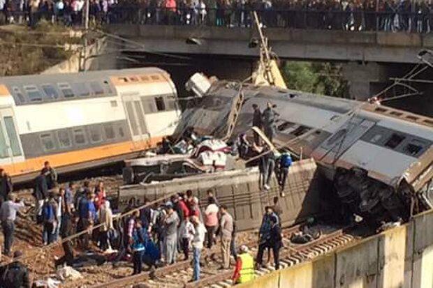 摩洛哥火车脱轨事件始末 摩洛哥火车脱轨现场照片曝光(图)