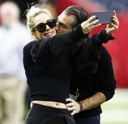 Lady Gaga订婚怎么回事?Lady Gaga男友是谁个人资料两人何时结婚