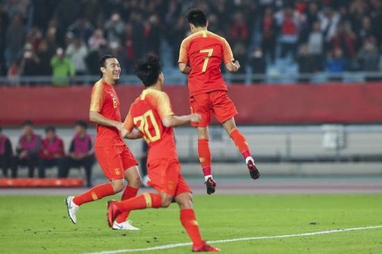 国足2-0叙利亚 郜林进球又失点,武磊点射破球荒 双方首发一览